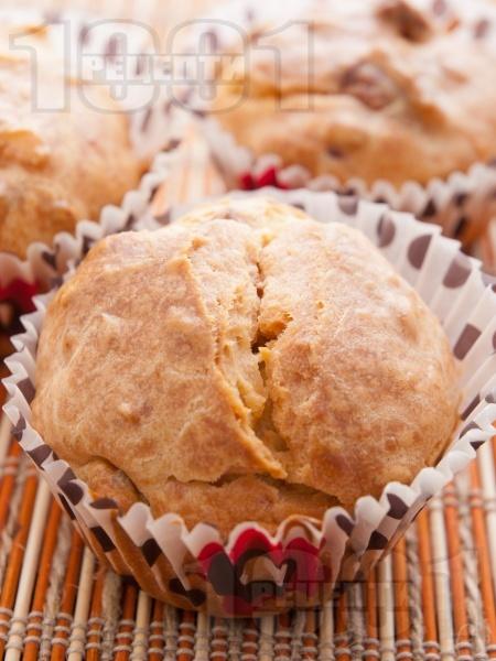 Солени мъфини с топено сирене - снимка на рецептата